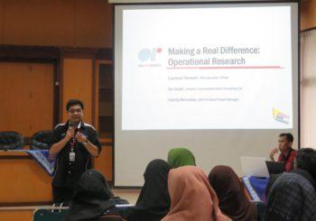 FMIPA UAD dan FAST UTHM Kerjasama Adakan Kuliah Umum Tentang Aplikasi Riset Operasi